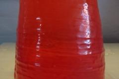 højde 19 cm Meget gl. vase m. afskæring i bund orangerød, håndlavet kr. 700
