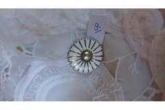 Broche Marguerit/Daisy kr. 150,00