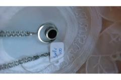 Vedhæng m. kæde i sølv kr. 100,00