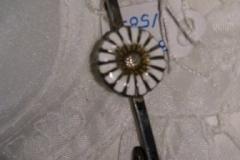 Broche Daisy Marguerit 3 tårnet sølv/emalje kr,. 150,00