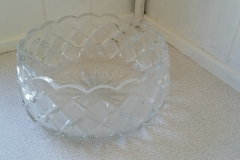 Smuk glasskål i klart glas halvkrystal ø 15 cm kr. 50,00