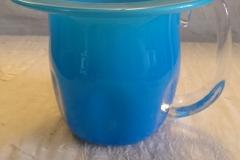 Klart blåt glas Hæjde 10,5 cm Pris kr. 300,00