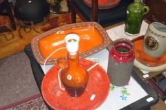 orange, gul, rød keramik og glas