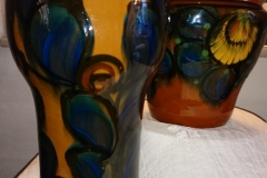 h 28 cm Danico, den forreste meget flot glasur, lidt mørkere i grundfarven en på fotoet kr. 800 den bagerste kr. 1.200